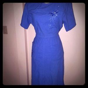 Women's Dress. Size M-L.